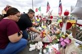 Donald Trump visite les villes endeuillées par deux fusillades