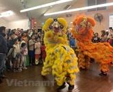 Fête de mi-automne aux enfants vietnamiens en R. tchèque et en Australie