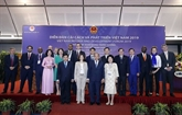 Réforme et développement : lePM rencontre des experts internationaux à Hanoï