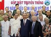Le Premier ministre rencontre d'anciens enfants de troupe