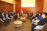 Le vice-Premier ministre Truong Hoà Binh en visite officielle à Singapour