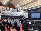 Ouverture d'une exposition internationale sur l'énergie solaire à Hanoï