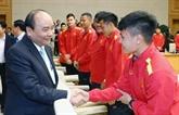 Nguyên Xuân Phuc encourage le Onze national en compétition en Thaïlande