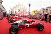 F1: À Milan, la Place du Dôme se pare de rouge pour fêter les 90 ans de Ferrari
