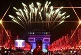 Le monde bascule en 2020, Paris en fête