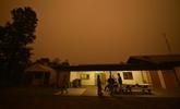 Australie : le vent provoque la jonction de deux énormes brasiers dans le Sud-Est