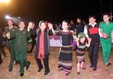 La présidente de l'Assemblée nationale participe à un programme printanier à Dak Lak