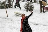 Neige à Téhéran : écoles fermées, vols perturbés