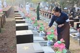 Inhumation des restes de 27 soldats vietnamiens à Binh Phuoc
