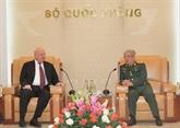 Le général Nguyên Chi Vinh reçoit l'ambassadeur de Russie au Vietnam