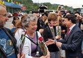 Nouvel An lunaire : les premiers visiteurs étrangers à Quang Ninh