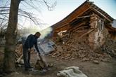 Course contre la montre des secouristes après le séisme