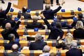 Le Parlement européen ratifie le Brexit lors d'un vote chargé d'émotion