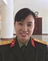 Une femme Casque Bleu vietnamienne fière et heureuse de sa mission