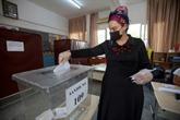 Les Chypriotes-turcs élisent leur dirigeant, Ankara suit de près