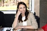 Triomphalement réélue, Mme Ardern s'engage à mettre en œuvre des réformes