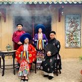 Les costumes à l'ancienne, le fil reliant le passé au présent