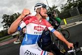 Tour des Flandres : Mathieu van der Poel fait plier Wout van Aert