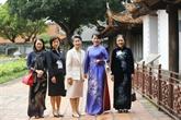 L'épouse du Premier ministre japonais visite des sites historiques à Hanoï