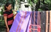 Le tissage de brocart : un trait culturel de l'ethnie Co Tu à conserver