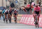 Tour d'Italie : Almeida se défend avec panache