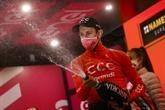 Cerny dompte une 19e étape raccourcie et un peloton frondeur