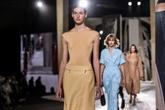 Tenue correcte exigée : Hermès épouse l'esprit rebelle des lycéennes
