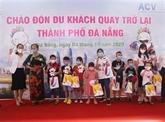 L'ancien hot spot de COVID-19 Dà Nang accueillit ses premiers touristes
