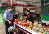 Chaque commune son produit : des produits du delta du fleuve Rougeexposés à Hanoï