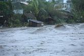 Le supertyphon Goni s'abat sur les Philippines, 300.000 personnes évacuées