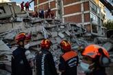 La Turquie recherche des survivants après un séisme, le bilan s'alourdit