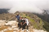 Au Machu Picchu, les touristes rompent à nouveau l'isolement de la citadelle