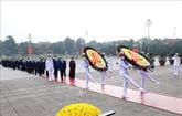 90 ans de la fondation du FPV : hommage des hauts dirigeants au Président Hô Chi Minh