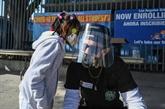 COVID-19 : en attendant les vaccins, de nouvelles restrictions un peu partout
