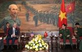 Le ministre de la Défense, Ngô Xuân Lich, reçoit le conseiller américain à la Police