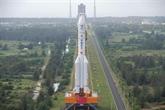 Lune : la Chine lance une sonde pour ramener des échantillons
