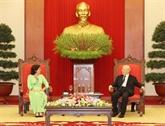 Le secrétaire général du PCV reçoit l'ambassadrice cubaine sortante