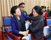 La présidente de l'AN rend visite aux familles de soldats morts lors des intempéries