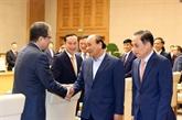 Le Premier ministre Nguyên Xuân Phuc recontre les ambassadeurs et chefs des Représentations vietnamiennes à l'étranger