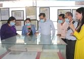 Exposition de cartes et d'archives sur Hoàng Sa et Truong Sa