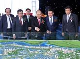 Le PM donne le coup d'envoi d'un grand projet de zone industrielle à Thai Binh
