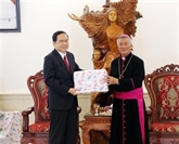Noël : le président du Front de la Patrie formule ses vœux à Nghê An et Thai Binh