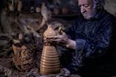 Près de Qamichli, un potier syrien fait perdurer la tradition familiale