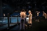 Théâtre : entre répétitions et réouverture incertaine, le quotidien sous tension des artistes