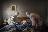 COVID-19 : face à la mort, une société nue
