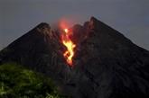 L'Indonésie émet un avertissement de danger lors de l'éruption du volcan Merapi