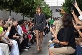 La Fashion Week s'ouvre à Londres, assombrie par le nouveau coronavirus