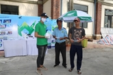 Des travailleurs de Cân Tho participe aux efforts de prévention de Covide-19
