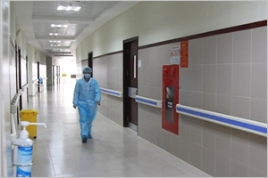 Villes et provinces renforcent la lutte contre lépidémie de COVID-19