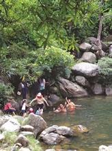 Suôi Mo, un fantastique ruisseau de la cordillère de Truong Son